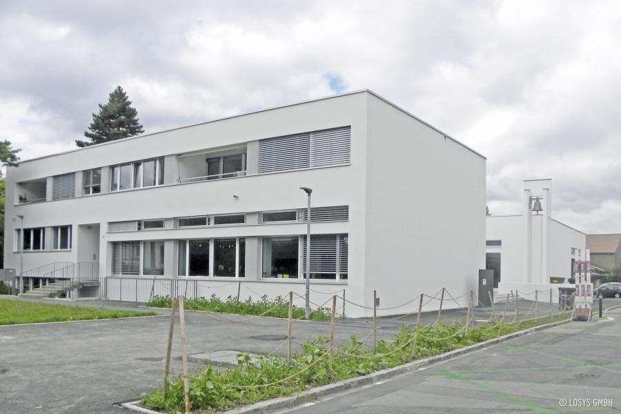 Schulhaus Burgfelld.jpg
